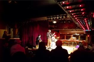 Bertrand Pérignon en lecture au Festival Dans ta tête au café Cléopâtre, le 10 mars 2020